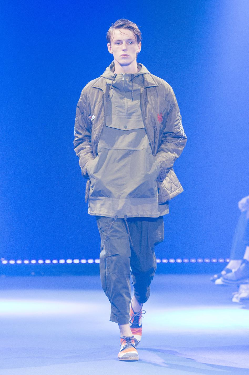 defile-white-mountaineering-printemps-ete-2017-paris-look-19