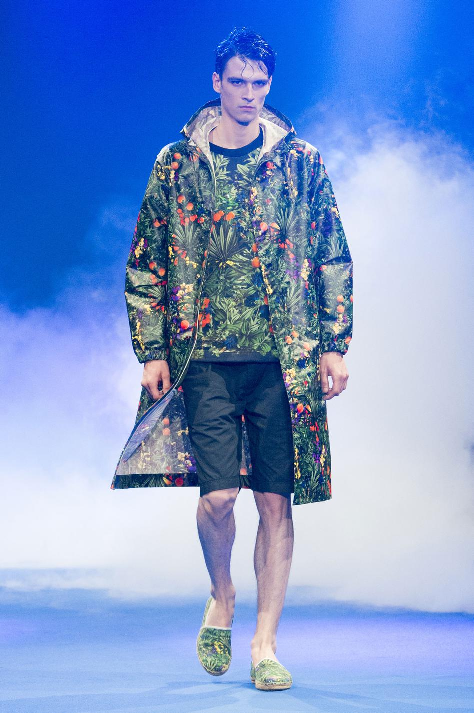 defile-white-mountaineering-printemps-ete-2017-paris-look-2