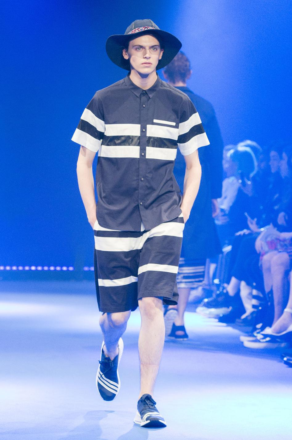 defile-white-mountaineering-printemps-ete-2017-paris-look-32