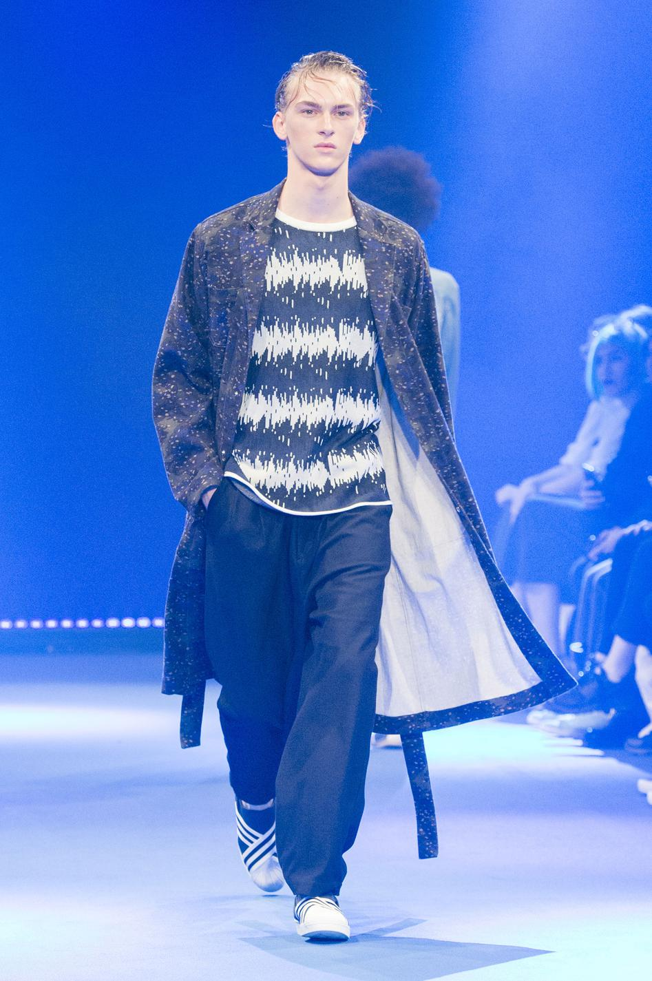 defile-white-mountaineering-printemps-ete-2017-paris-look-34