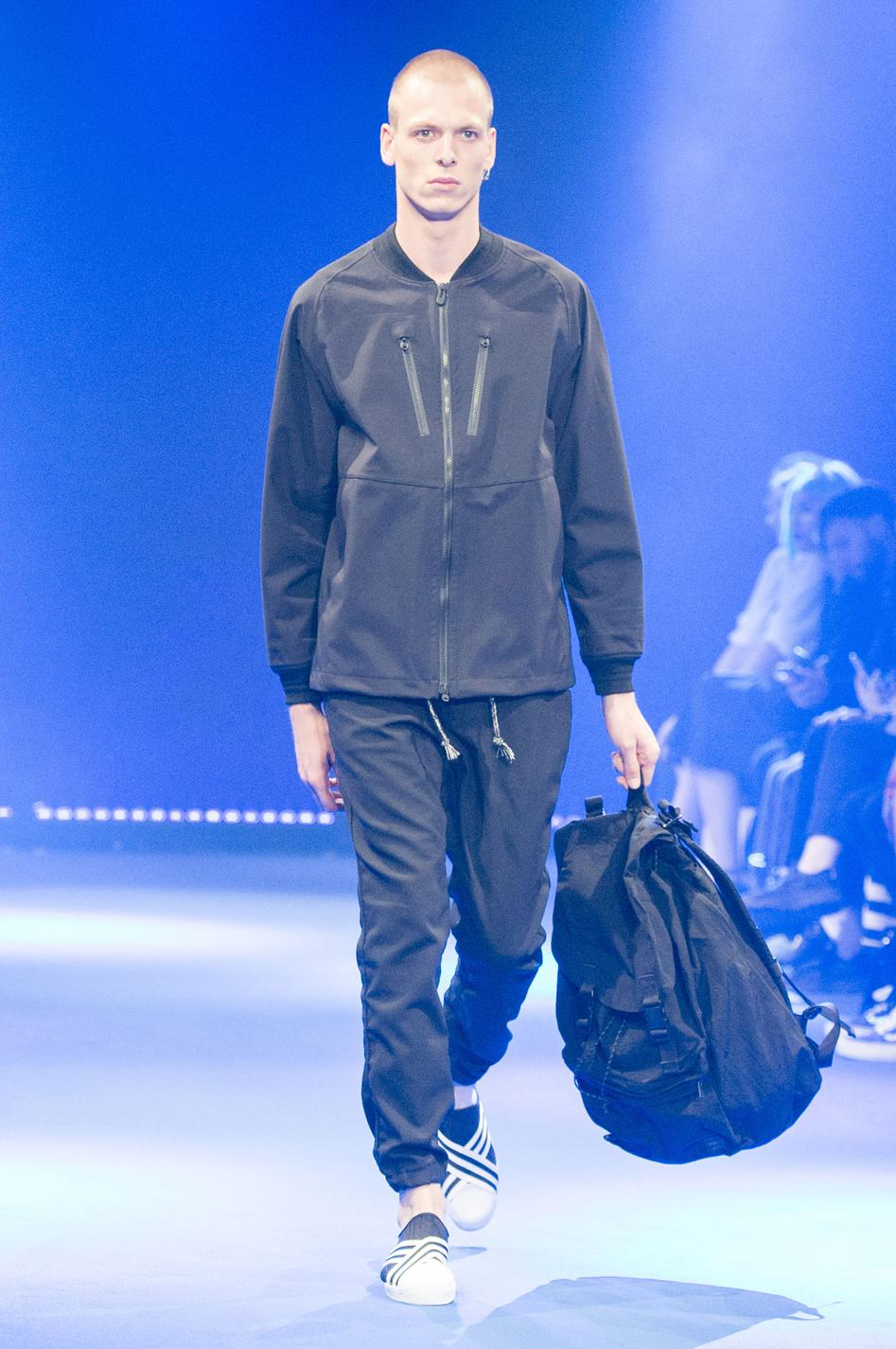 defile-white-mountaineering-printemps-ete-2017-paris-look-37
