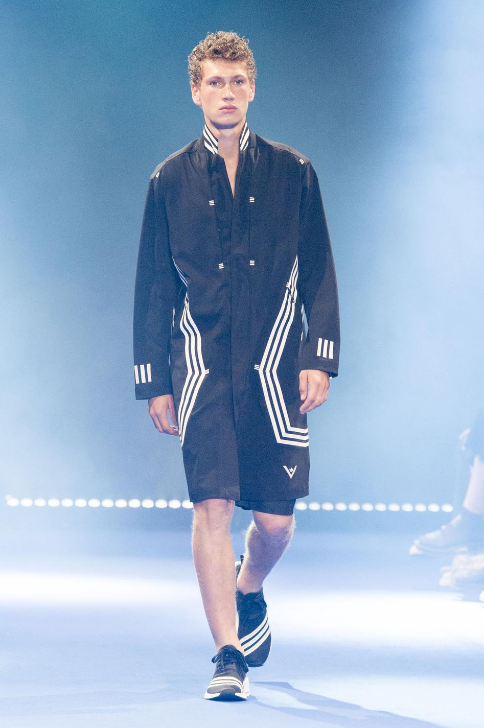 defile-white-mountaineering-printemps-ete-2017-paris-look-40