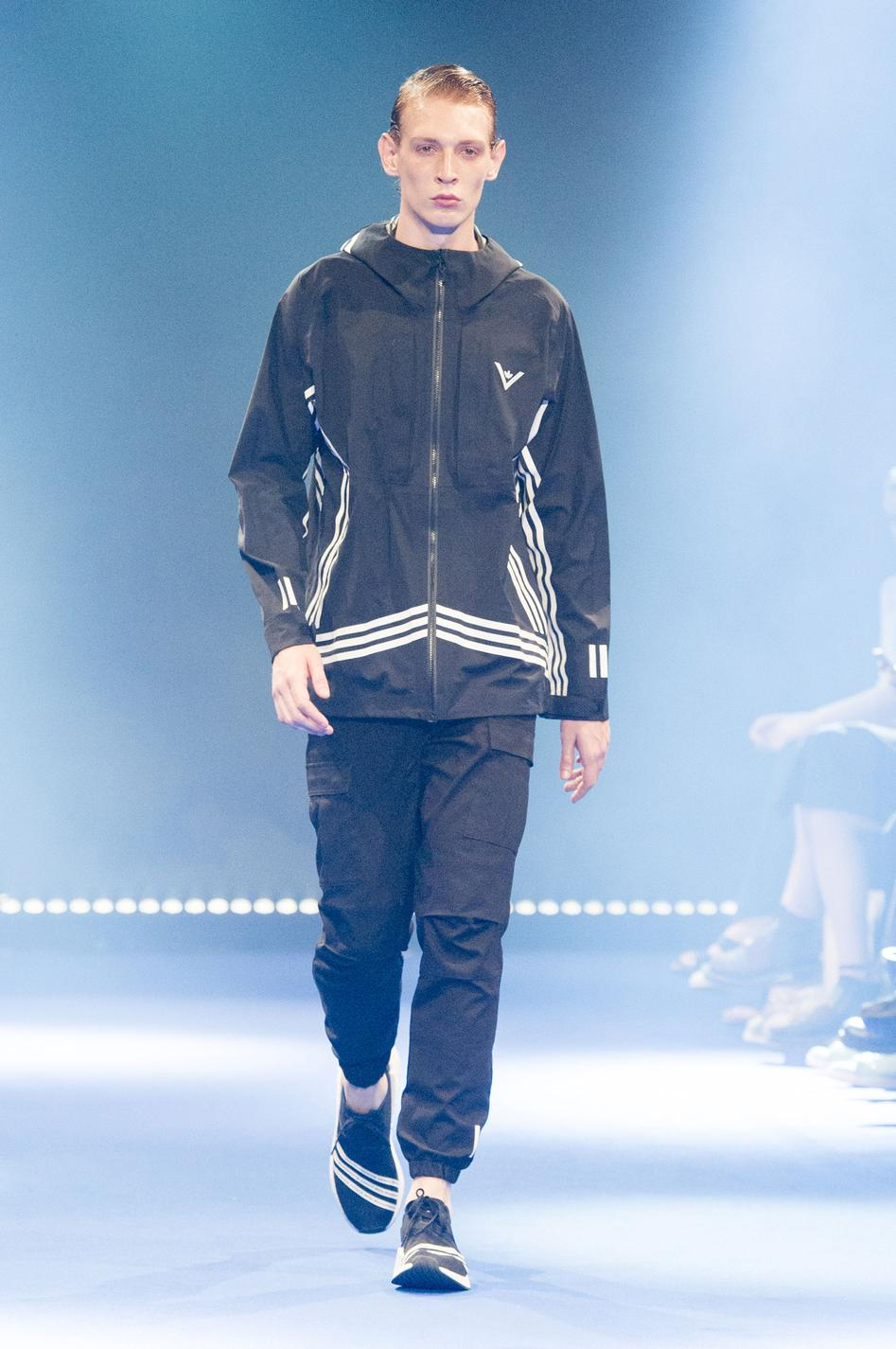 defile-white-mountaineering-printemps-ete-2017-paris-look-48