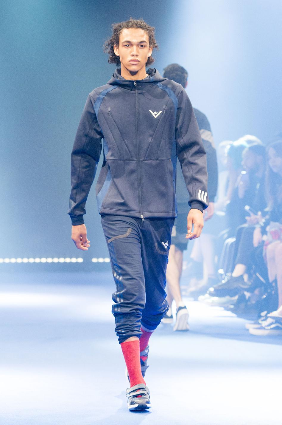 defile-white-mountaineering-printemps-ete-2017-paris-look-52